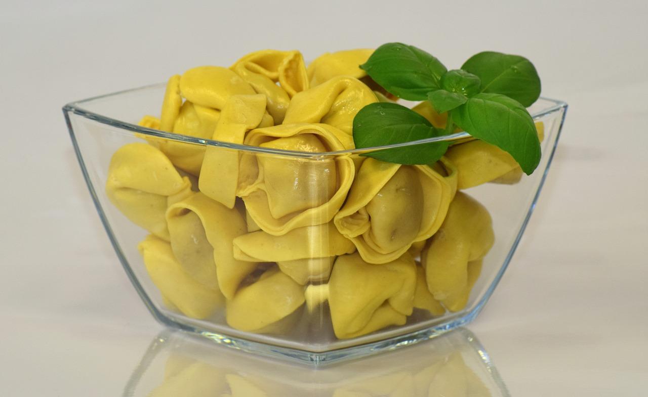 Tortellini (gefüllt mit Schweinefleisch)